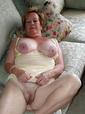 wet older mature pussy pics