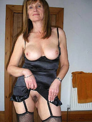 naked pics of amateur older adult pussy