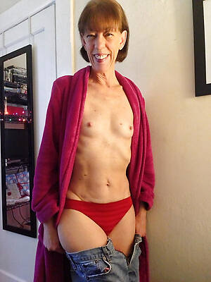mature women with small titties porn pictures