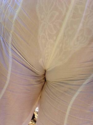 sexy women regarding cameltoes pics