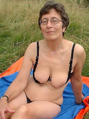beautiful sexy naked grandmas