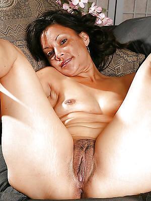 amature mature latina look at porn pics