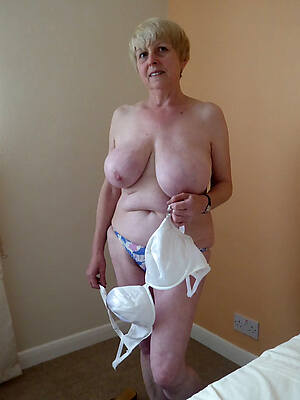 free hd naked superannuated women pic