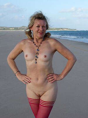 beautiful mature at nude beach sex pics