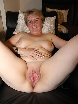 powered mature cougars pics