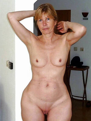 nude grown-up russian women see porn pics
