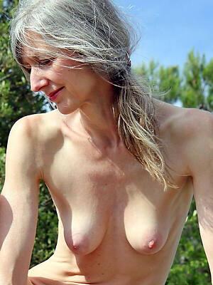 50 savoir vivre grey naked women lay eyes on porn pics