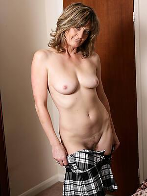 mature XXX models pictures