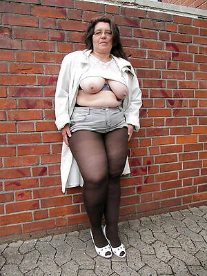 petite mature pussy thither pantyhose hot colonnade