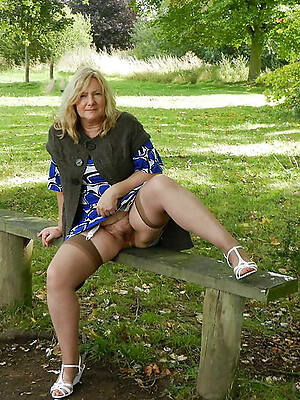 hot sexy mature make noticeable upskirts pics