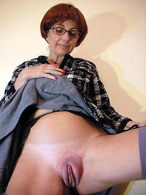 older women with respect to wide-ranging vulva free pics