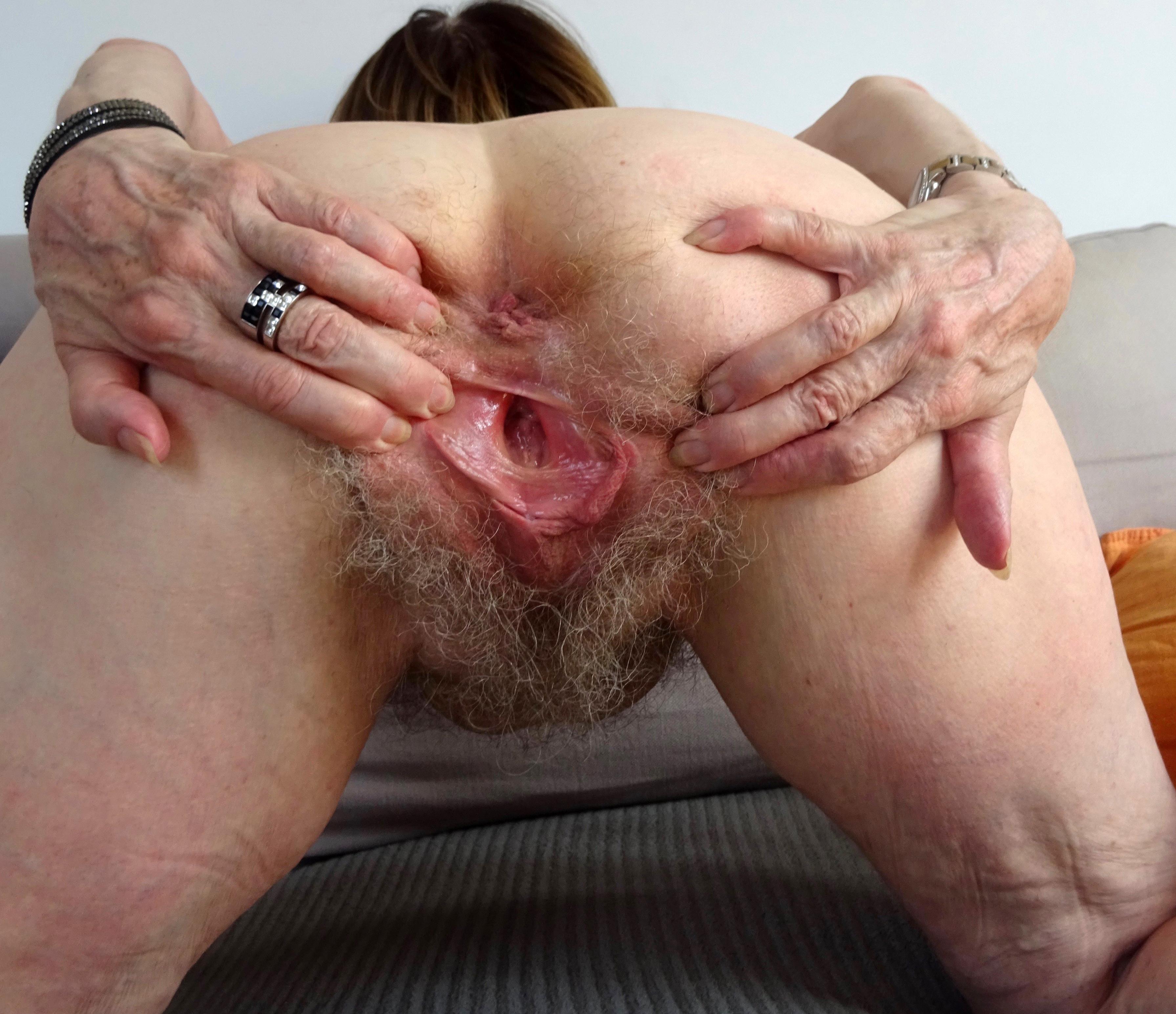 Naked mature ass Big Mature